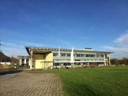 Büro/Praxisräume / Coworking Space zwischen 12-1200 qm2 inkl. Parkplätze