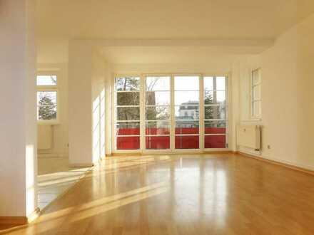 Schöne helle 3 Zimmer mit Balkon in Mockritz gesucht ?