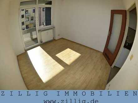 Nur für Studenten! - 1-Zimmer-Appartement mit Loggia - Nähe Uni - EBK - Laminat - ZILLIG IMMOBILIEN