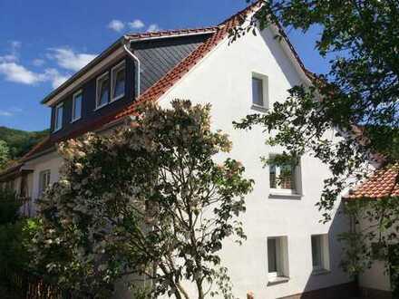 Erstbezug nach Sanierung mit Balkon: schöne 4-Zimmer-Maisonette-Wohnung in Bovenden