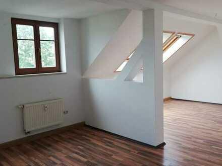 FREUNDLICH-CHARMANT-GÜNSTIG / 3ZKB - Altbauwohnung in ruhiger Lage