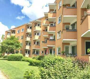 Vom Eigentümer-Am Gemeinde-Park Lankwitz mit Balkon und Kaufmöglichkeit d. leeren Nachbarwohnung
