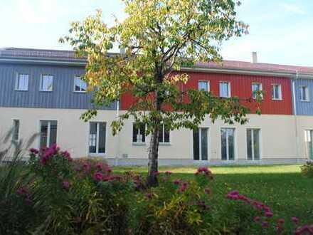 Ökologisch saniertes, großzügiges Reiheneckhaus mit Garten auf dem Dorf ganz in der Nähe von Dresden