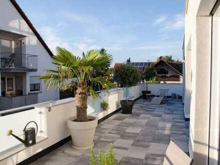 Exklusive, geräumige und gepflegte 3-Zimmer-Wohnung mit großem Balkon und Küche in Muhr am See