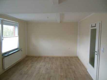 Schöne, moderne zwei Zimmer Wohnung in Leer