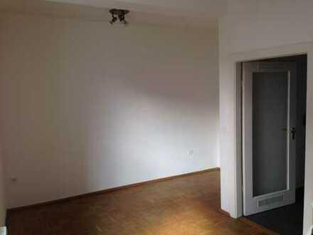 2 Zimmerwohnung in Bayreuth, zentral, hell