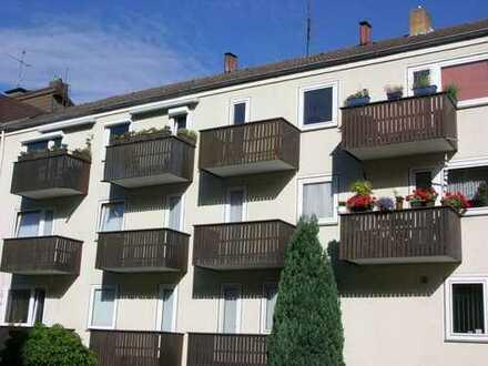 Exklusive, modernisierte 4-Zimmer-Wohnung mit Balkon und Einbauküche in Hannover