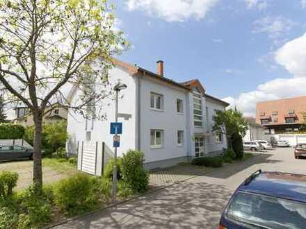 Anleger aufgepasst: helle 2-Zimmerwohnung im Dachgeschoss mit Dachterrasse und Garagenstellplatz!