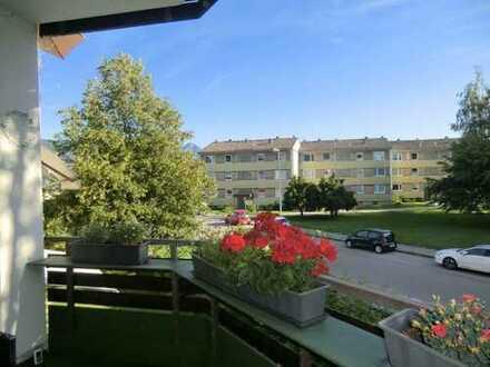 Einziehen und wohl fühlen! Renovierte, moderne Wohnung mit Süd-Balkon und Aufzug