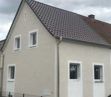 Provisionsfrei! Neu saniertes Einfamilienhaus zu vermieten!
