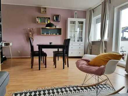 Sehr schöne 1,5-Zimmer-Dachgeschosswohnung mit Balkon und EBK in Dreieichenhain