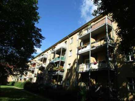 Provisionsfrei- Vermietete 2 Zimmerwohnung mit Balkon im 3.OG nahe Plänterwald