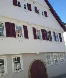 Charmantes wohnen im DG - vier Zimmer, Balkon 19qm und Einbauküche in Kernen Stetten