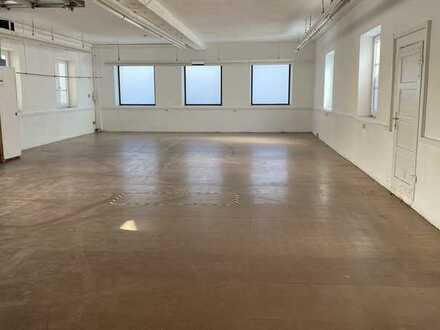 Lagerhalle ( Erweiterung möglich ) ideal für Versandhandel mit bester Anbindung, kein KfZ !