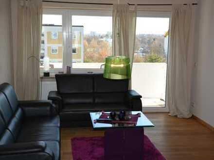 Schöne, voll möbl. zwei Zimmer Wohnung mit Alpenblick