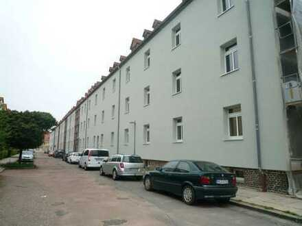 sehr schöne 2-Zimmer Wohnung mit großer Wohnküche und Balkon