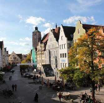 Ingolstadt-Alstadt, Theresienstraße, 2 ZKB Wohnung in einem komplett sanierten Denkmalschutzgebäude