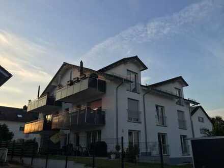 Neuwertige 4-Zimmer-Wohnung mit Terrasse in Flörsheim am Main - Weilbach