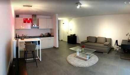 Exklusive, geräumige 1-Zimmer-Wohnung mit Balkon und EBK, Garage, Kelsterbach