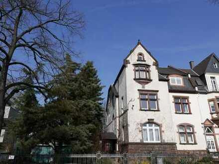 In historischer Stadtlage an den Weingärten - Beeindruckende Denkmalvilla!