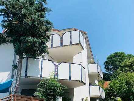 Gepflegte DG-Wohnung mit zwei Zimmern sowie Balkon und EBK in Leinzell