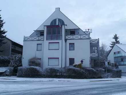 Helle 2,5 Zimmer Wohnung mit 3 Balkonen in direkter Bahnhofsnähe