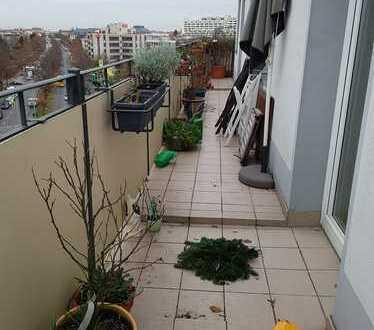 Sie wollen nach oben? Traum-Dachgeschoss für sportlichen Single (ohne Aufzug!) mit Grunewaldblick