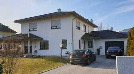 Schönes, geräumiges Haus mit sechs Zimmern in Deggendorf (Kreis), Deggendorf
