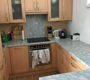 Sanierte 2-Zimmer-Wohnung mit Balkon und Einbauküche in Rüsselsheim am Main
