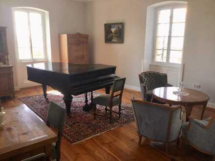 Exklusive, geräumige und gepflegte 4-Zimmer-Wohnung mit Terrasse und EBK in Neustadt/Haardt