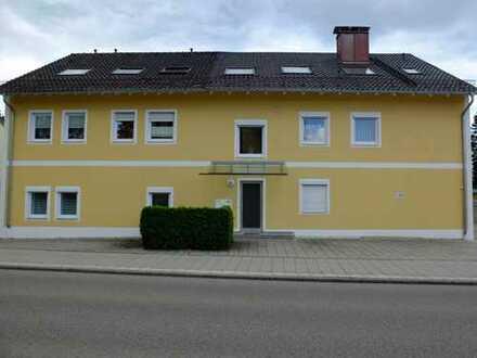Tolle 4 Zimmer Eigentumswohnung in günstiger Lage von Traunreut, Garage und 2 Stellplätze
