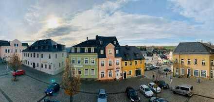 Zentrum Schneeberg 2 Zi Wohnung mit Blick auf den Topfmarkt