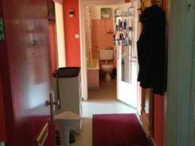 Ruhiges, Helles Zimmer, im Grünen, Parken vor der Tür