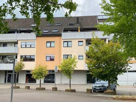 ++ Großzügige Maisonettewohnung mit 4 ZKB, 27 m² Dachterrasse und Fernsicht ! ++