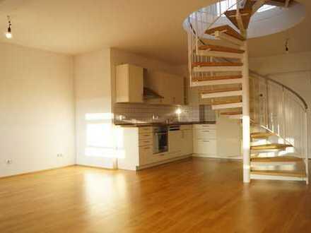 Sonnige Maisonette Wohnung mit Dachterrasse