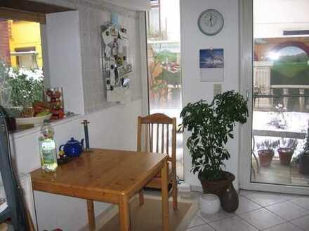 2 Zimmer Wohnung im Gartengeschoss eines typischen Bremer Hauses