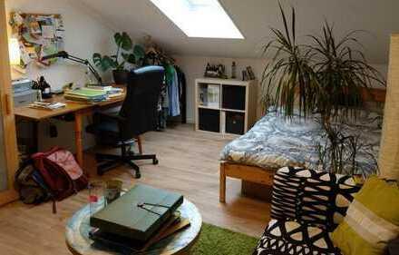 Zimmer in gemütlicher Studenten- und Berufstätigen-WG, zentral und ruhig