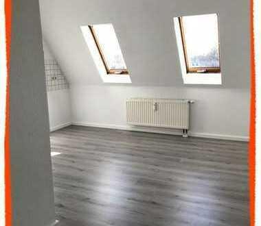 HELLE Maisonetten-Wohnung für Individualisten mit kleiner Galerie & schöner KÜCHE