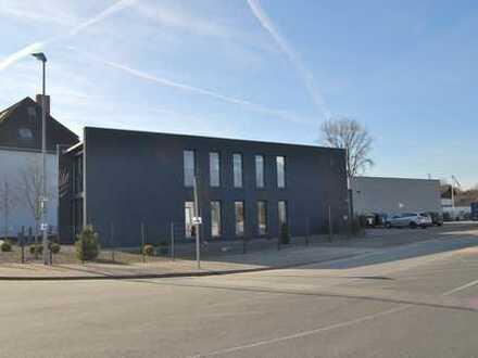 Repräsentatives Büro, Halle und Lager