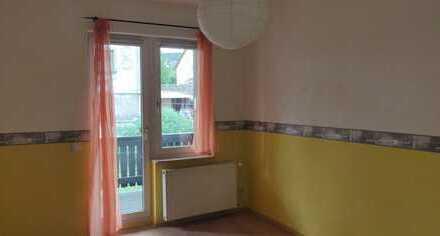 Günstige 3,5-Zimmer-Wohnung mit Balkon in Zella-Mehlis