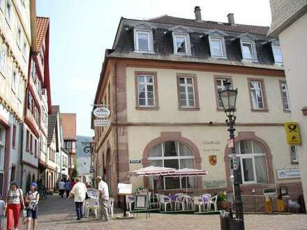 Historisches 5 Familienhaus mit Bäckerei und Cafe