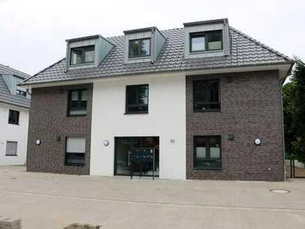 Neuwertige exklusive 4-Zimmer-Penthouse-Wohnung mit Balkon und Einbauküche in Oyten