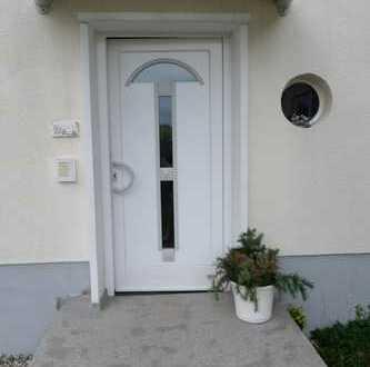 Stilvolle, modernisierte 2-Zimmer-Wohnung mit EBK in Michelstadt