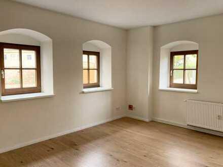 Wunderschöne 2-Raum-Wohnung mit Einbauküche, Terrasse und Stellplatz!