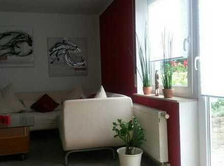 Gepflegte 1-Zimmer-Erdgeschosswohnung mit Balkon und EBK in Rottenburg am Neckar
