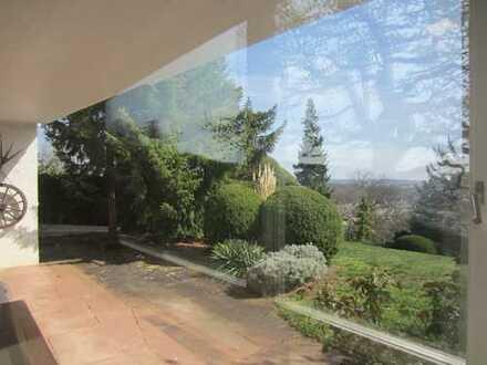 sonnige Erdgeschosswohnung mit EBK und Terrasse