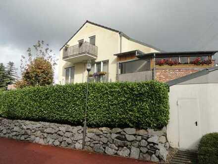 Leben wie im eigenen Haus!! Toll geschnittene 5-Zimmerwohnung mit zwei Balkonen!!