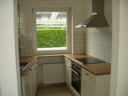 Schöne 2 Zimmer Hochparterre Wohnung mit Balkon in Partenkirchen.