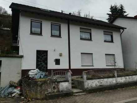 Einfamilienhaus mit Garage - Provisionsfrei für den Käufer - Zwangsversteigerung