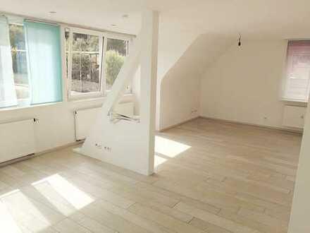Helle, geräumige 4,5-Zimmer-Dachgeschosswohnung in Weissach
